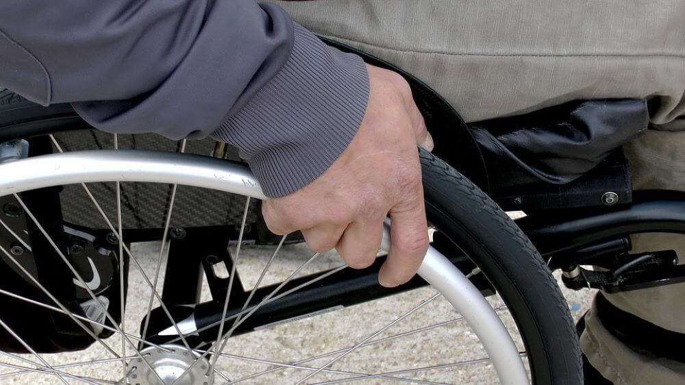 tipos cadeira de rodas avalie o peso