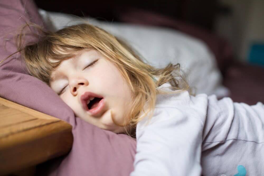 causas do ronco dicas taticas para noite de sono tranquila
